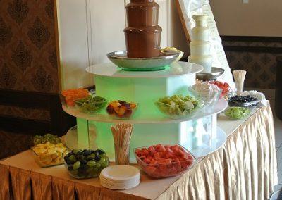 fontanna czekoladowa z podestem